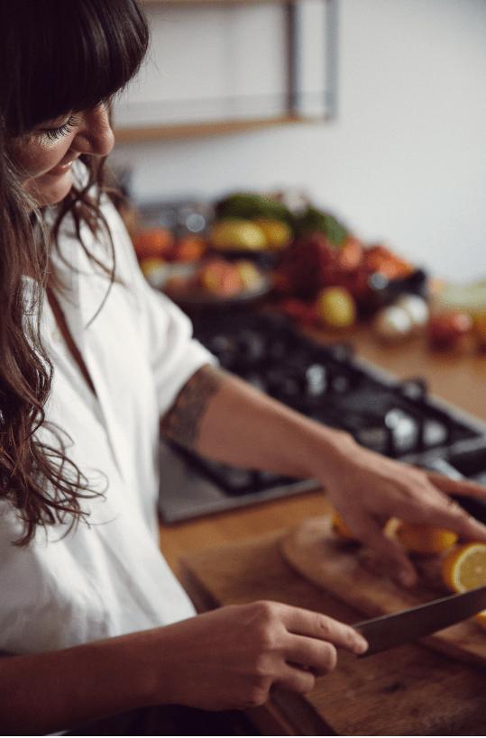 eathletics ernährungsberatung wien anastasia beim schneiden